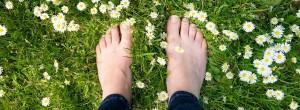 5 λόγοι που η γείωση θα βελτιώσει την υγεία σας και θα αλλάξει την ζωή σας