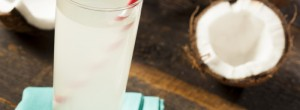 Να τι συμβαίνει στο σώμα σας όταν πίνετε νερό καρύδας κάθε μέρα για μια εβδομάδα