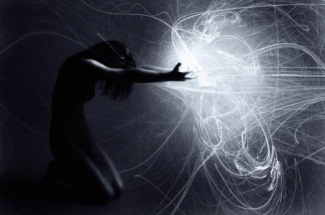 7 Τρόποι για να Ξεφορτωθείς τις Αρνητικές Σκέψεις