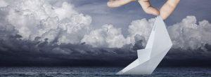 Το πλοίο που βυθιζόταν και η βάρκα που χωρούσε μόνο ένα άτομο
