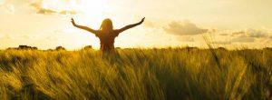 Επαφή με την γη: Τεχνικές πνευματικής γείωσης για να ανεβάσετε τη Δόνησή σας