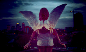 11-simadia-oti-bori-na-iste-ekpedevomeni-angeli-pano-sti-gi