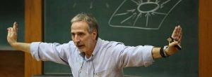 Δρ Μάνος Δανέζης: Eίμαστε φτιαγμένοι να ζούμε στο «εμείς», αντί για το «εγώ»