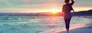 Οι νευροεπιστήμονες συστήνουν συχνές βόλτες στην παραλία και εξηγούν το γιατί