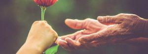 Σύμφωνα με την επιστήμη η καλοσύνη κάνει καλό στην καρδιά και μειώνει το άγχος