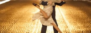 Νέα έρευνα αποδεικνύει πώς ο χορός αντιστρέφει τα σημάδια της γήρανσης στον εγκέφαλο
