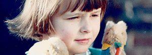 Όσα συγκλονιστικά είπε ο Ρόαλντ Νταλ για τα εμβόλια μετά το θάνατο της κόρης του από ιλαρά