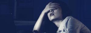 Γιατί οι δυστυχισμένοι άνθρωποι θέλουν να προσβάλλουν τους άλλους