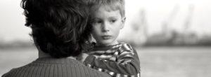 Όρια, πρόγραμμα και ύπνος νωρίς: Έτσι μεγαλώνουν τα ισορροπημένα παιδιά