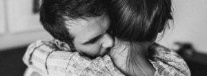 Η δύναμη της αγκαλιάς, τα γιατρεύει όλα…