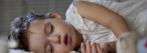 Όλα τα παιδιά της γης πρέπει να έχουν κάποιον να τους δίνει ένα ζεστό φιλί πριν τον ύπνο