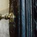 «Κλείσε μερικές πόρτες σήμερα, γιατί απλά δεν οδηγούν πουθενά» – Paulo Coelho