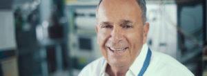 Κώστας Βαγενάς: Ο επιστήμονας που άφησε το ΜΙΤ για την Πάτρα ανατρέπει τους κανόνες της Φυσικής