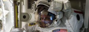 Κορωνοϊός: Αστροναύτες της NASA δίνουν συμβουλές επιβίωσης για την παρατεταμένη συμβίωση στην καραντίνα