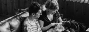 Η επιβίωση της ελληνικής οικογένειας στη σκιά του Κορωνοιού