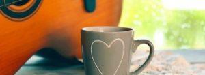 Ξύπνα, Βάλε μουσική, κοίτα τον ήλιο, πιες καφέ.. Απλή είναι η ζωή…