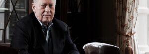 Τσακ Φίνι: Ο Αμερικανός δισεκατομμυριούχος δώρισε 8 δισ. σε φτωχούς και έμεινε απένταρος!