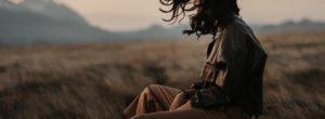 Θρηνώντας τον θάνατο ενός γονέα: Πώς επηρεάζει το σώμα και το νου