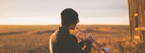 Οι βαθιά ενσυναισθητικοί άνθρωποι επεξεργάζονται τη μουσική διαφορετικά στον εγκέφαλό τους